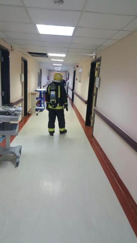 إخلاء مرضى مستشفى صامطة بعد انبعاث دخان (335145425) 