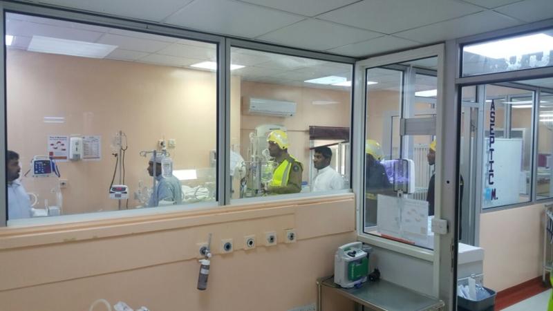 إخلاء مرضى مستشفى صامطة بعد انبعاث دخان (335145426) 