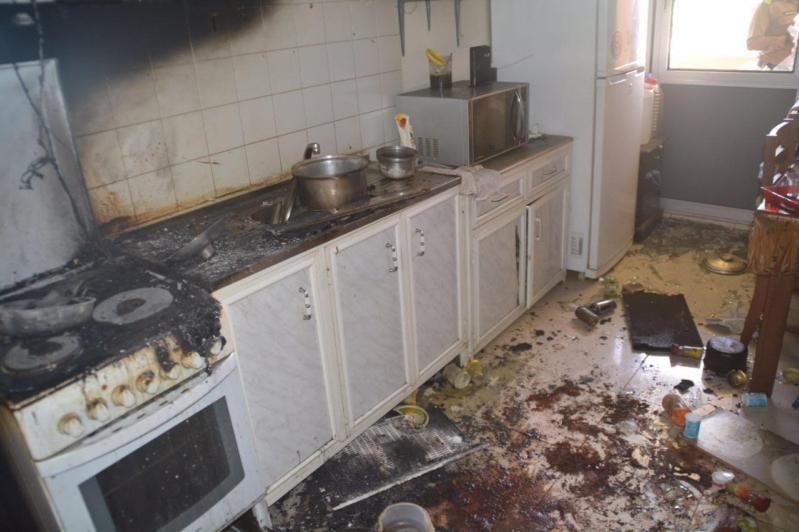 إخماد حريق بسكن مستشفى الملك خالد بحائل5