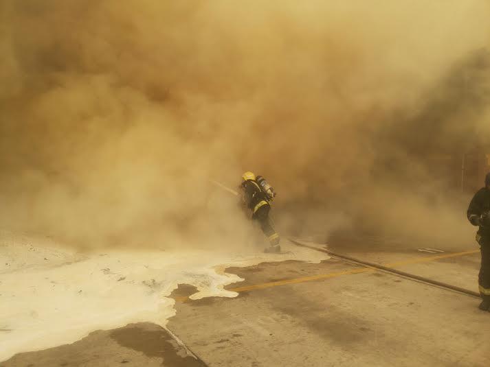 إخماد حريق حاويات ميناء جدة الإسلامي