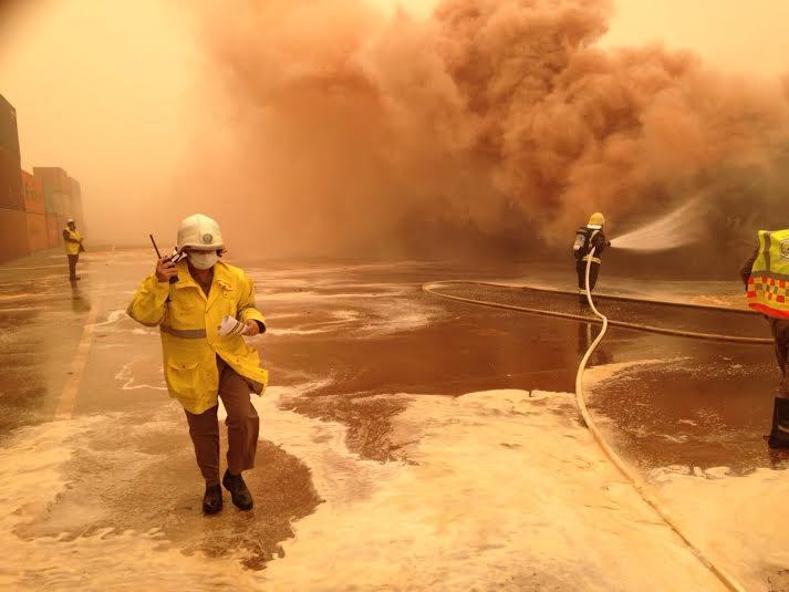 إخماد حريق حاويات ميناء جدة الإسلامي4