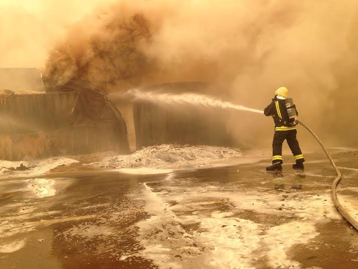 إخماد حريق حاويات ميناء جدة الإسلامي5