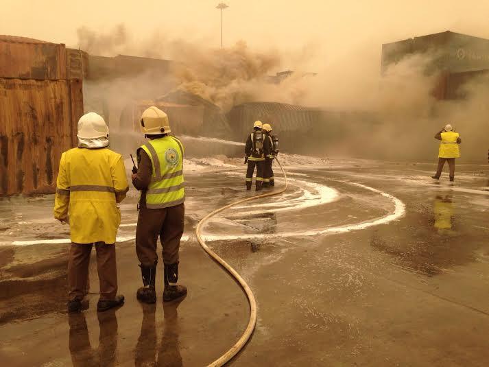 إخماد حريق حاويات ميناء جدة الإسلامي6
