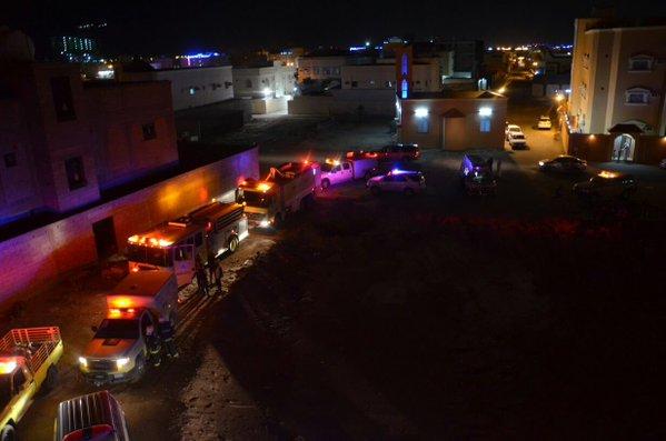 . إخماد حريق شقة بحي الفيصلية في سكاكا (3)
