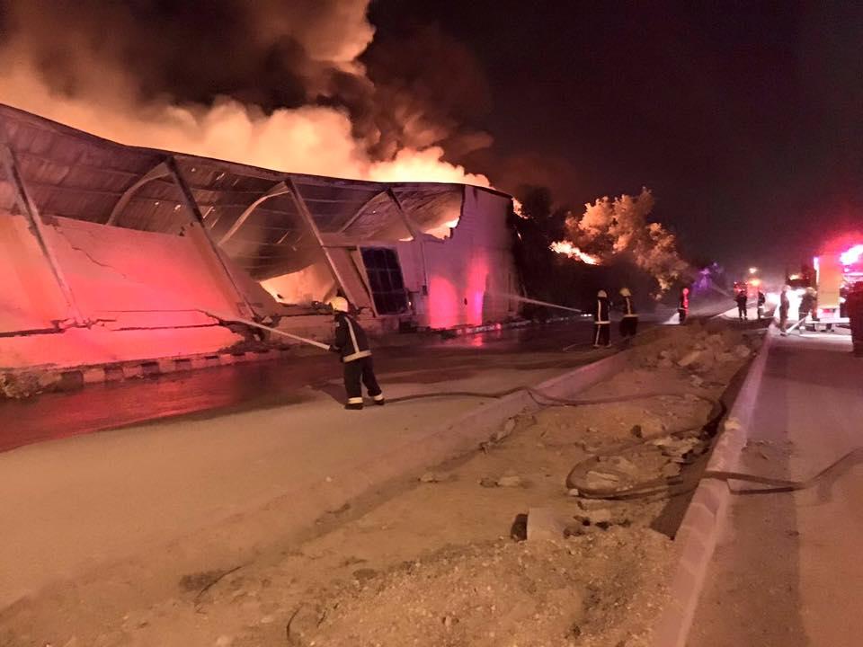 إخماد حريق مستودع للقطن في صناعية الشفا بالرياض (3)