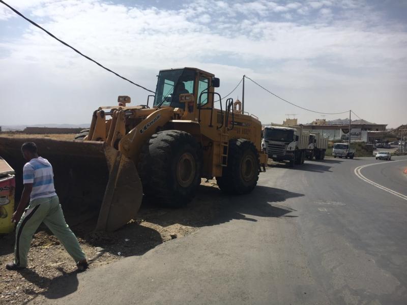 إزالة البسطات العشوائيّة بالطريق السياحيّ في سودة عسير (351539195) 