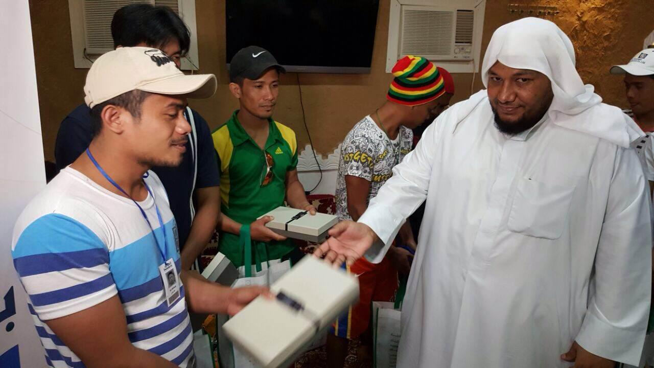 إسلام 9 من الجالية الفلبينة بملتقى بشائر الخير دعوى شمال الرياض (6)