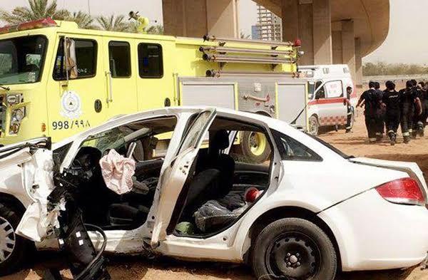 إصابة شخصين في انقلاب سيارة من أعلى كوبري بالرياض (1)