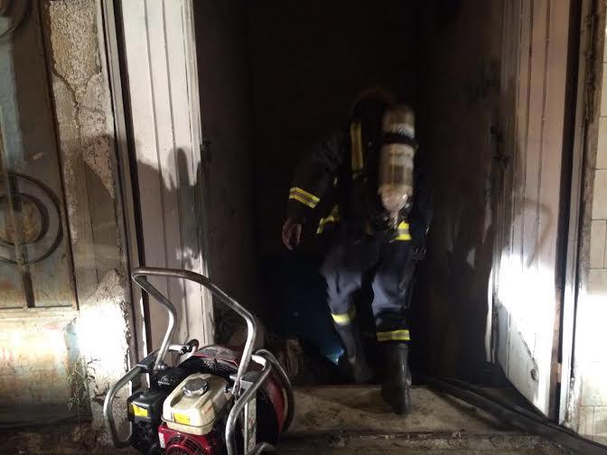 إصابة شخص ورجل أمن في حريق نشَب بمستودع بـ #الطائف1