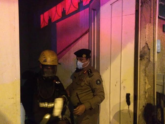 إصابة شخص ورجل أمن في حريق نشَب بمستودع بـ #الطائف3