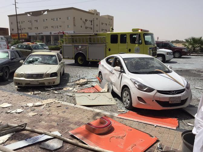 إصابة 3 أشخاص وتضرّر  (1)