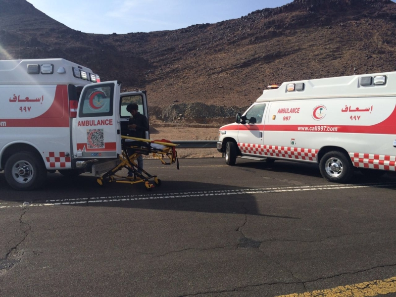 إصابة 5 أشخاص في حادث (4)
