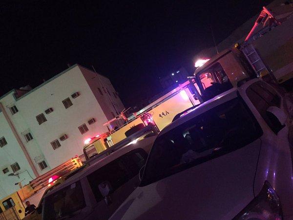 إصابة 5 أفراد من أسرة واحدة إثر حريق مبنى في #ينبع (1)