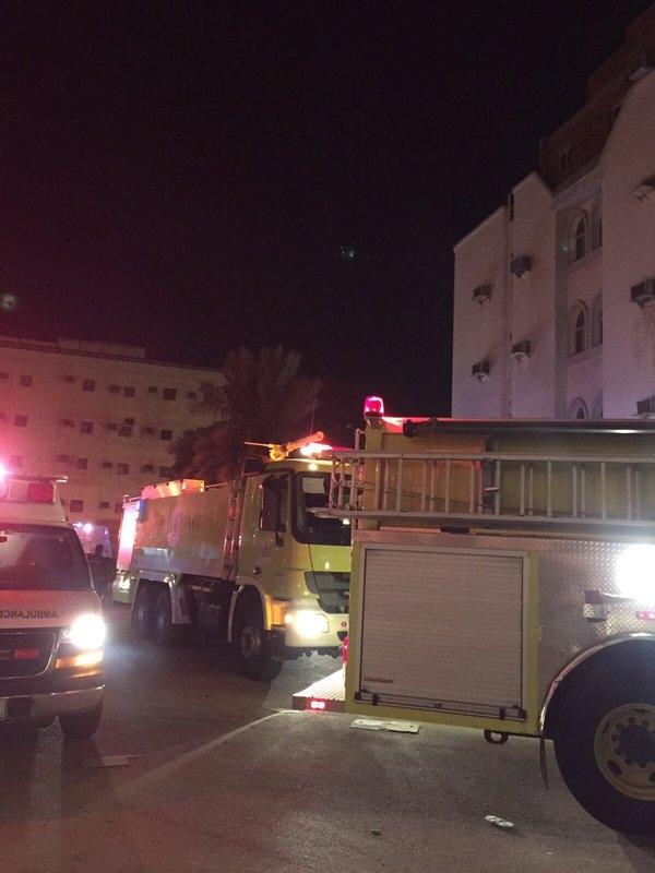إصابة 5 أفراد من أسرة واحدة إثر حريق مبنى في #ينبع (2)