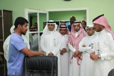 إعادة تشغيل ثلاثة أقسام بمستشفى جازان العام (34669058) 