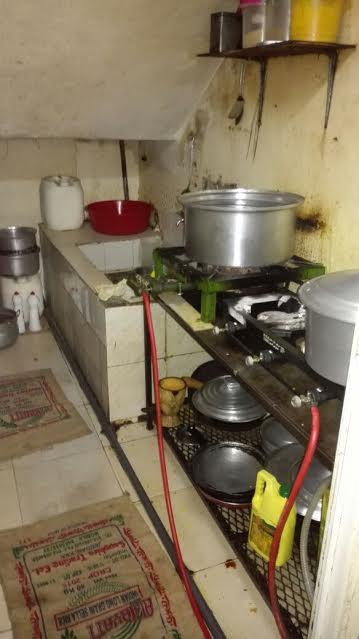 إغلاق مطبخ عشوائي داخل عمارة سكنية بمركزية مكة 1