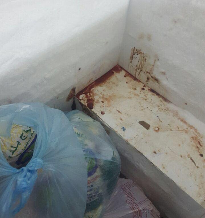 إغلاق مطعم شهير يقدم دجاجاً منتهي الصلاحية في بيشة (3)