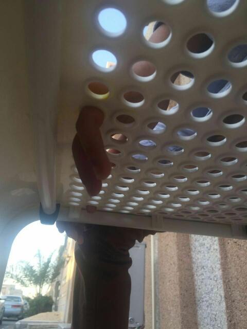 إنقاذ أصابع طفل علقت بكريي بلاستك بسيهات (248391981) 