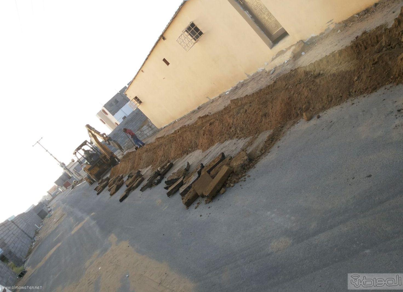 إيصال التيار الكهربائي لمنزل مواطن بقرية الكربوس بجازان (1)