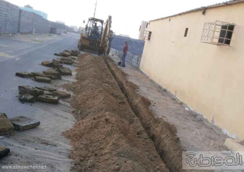 إيصال التيار الكهربائي لمنزل مواطن بقرية الكربوس بجازان (3)