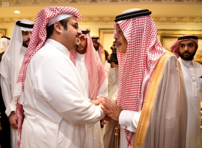 بالصور.. أبناء الأمير عبدالرحمن بن عبدالعزيز يستقبلون