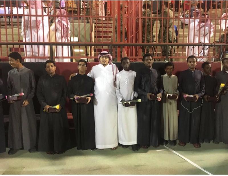 ابناء دار التربية وشامل الرياض يشاركون في ختام الدورة الرياضية للجوازات1