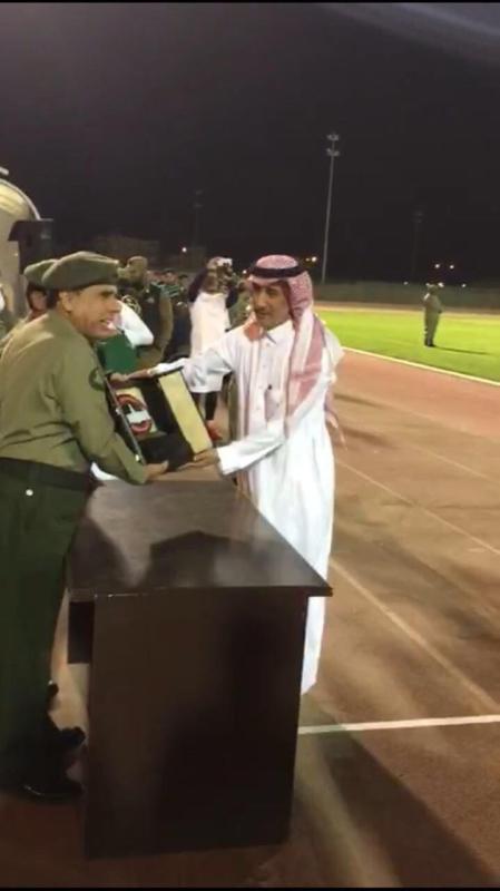 ابناء دار التربية وشامل الرياض يشاركون في ختام الدورة الرياضية للجوازات4