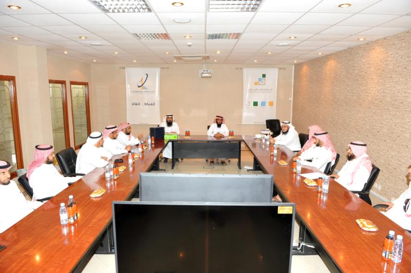 اتصالات الرياض تُكرم المشاركين في حفل الخريجين (215897412) 