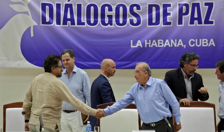 اتفاق سلام تاريخي بين كولومبيا وفارك ينهي 52 عامًا من التمرد