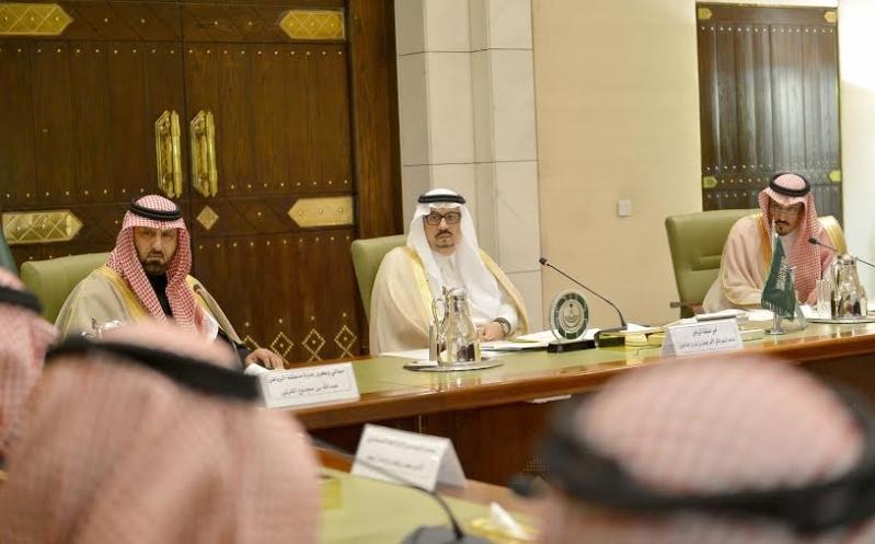 اجتماع امير الرياض مع المحافظين11