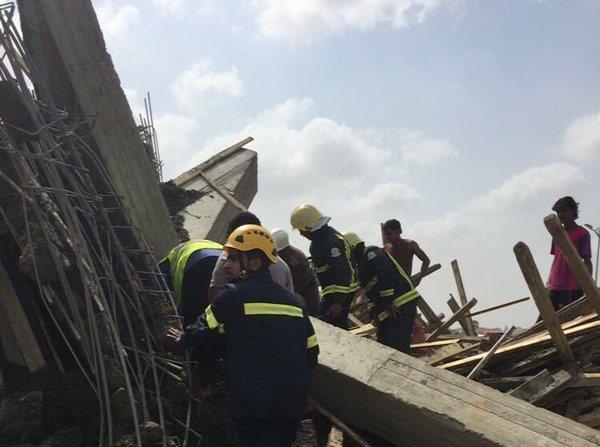 احتجاز عمال في انهيار مبنى تحت الإنشاء في بيش (1)