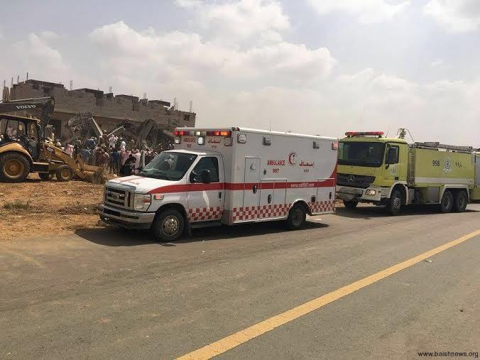 احتجاز عمال في انهيار مبنى تحت الإنشاء في بيش4
