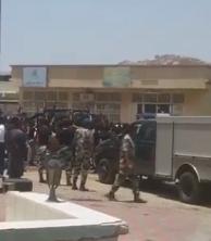 احتفال من نوع خاص لرجال الأمن في بني مالك وثقيف بعد القضاء على الهالك المالكي