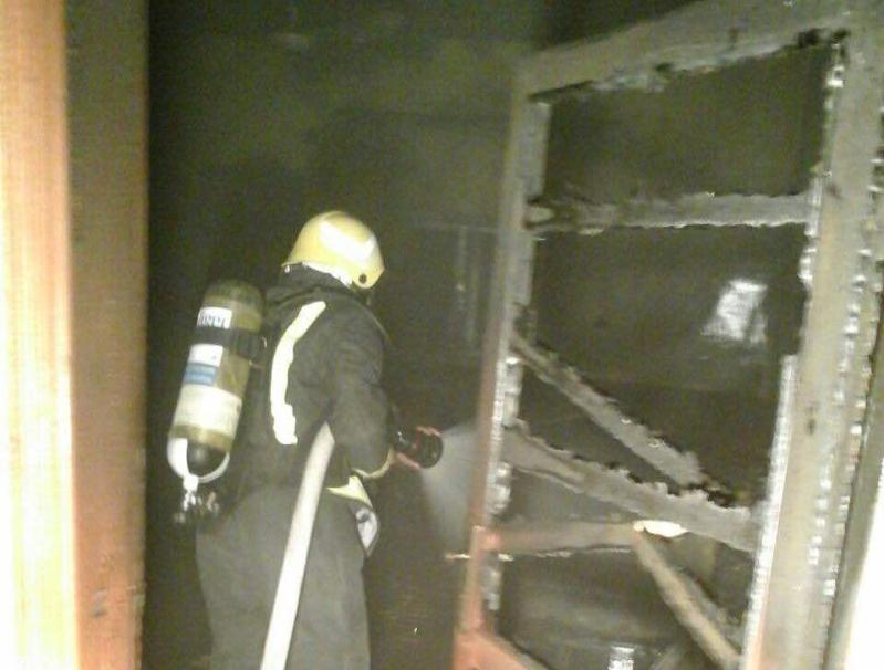 اخماد حريق باحد المنازل ببيشه ولا إصابات (2)