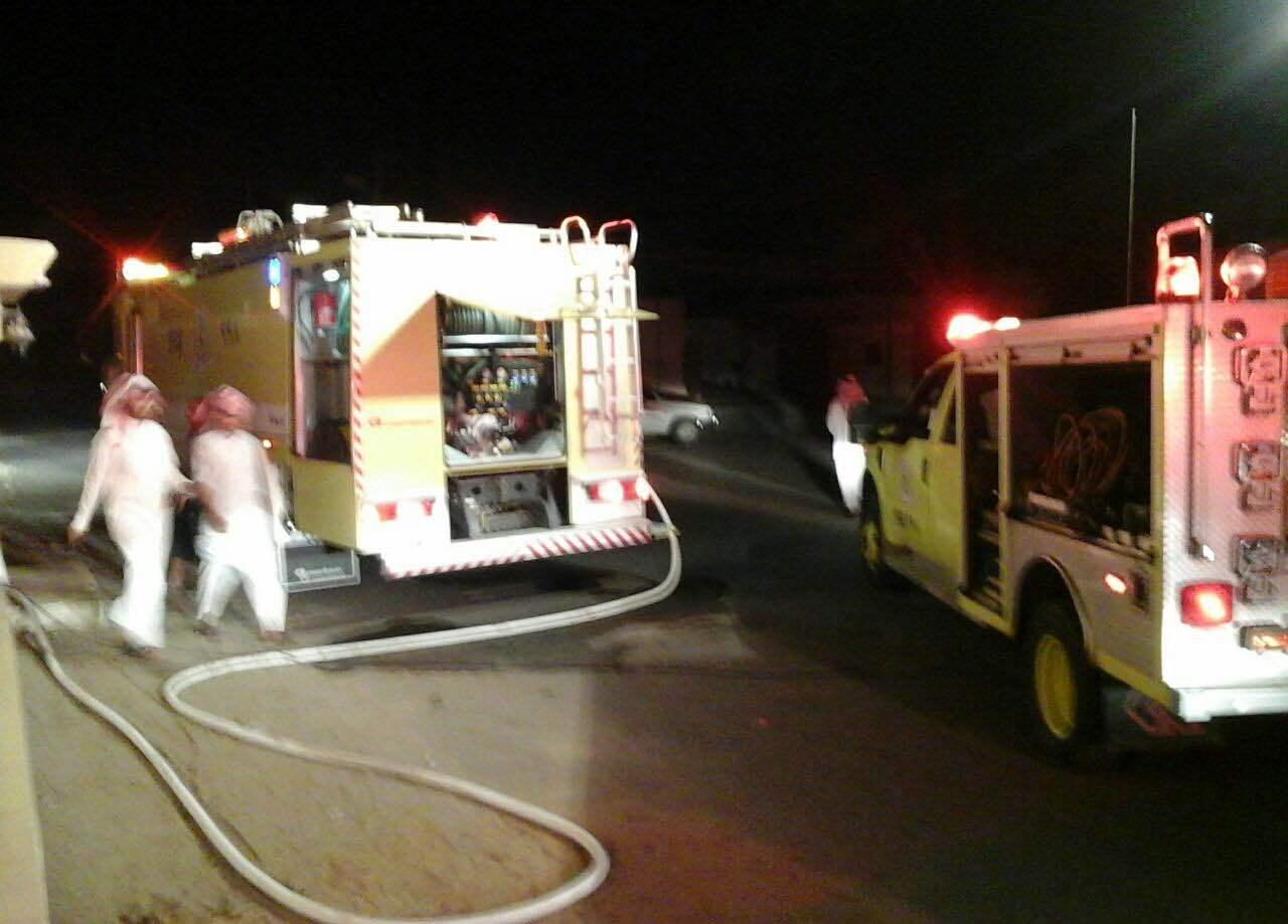 اخماد حريق باحد المنازل ببيشه ولا إصابات (3)