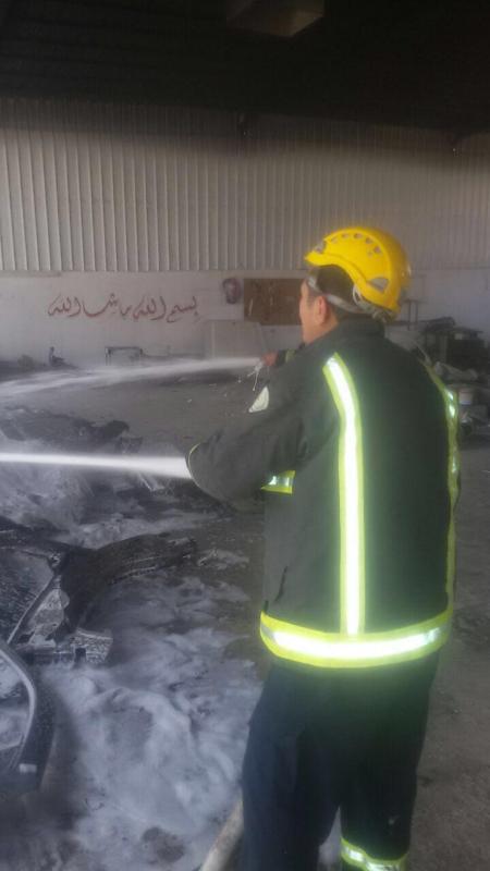 اخماد حريق بورشة سيارات بالعلا دون إصابات  (347180133) 