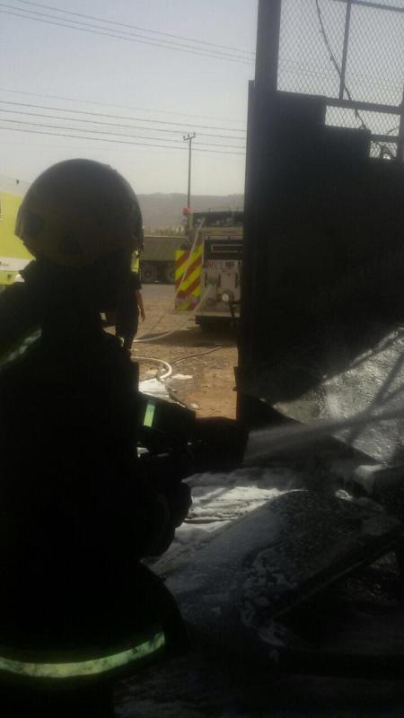اخماد حريق بورشة سيارات بالعلا دون إصابات  (347180135) 