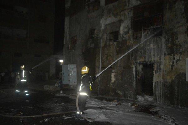 اخماد حريق في جدة (1)