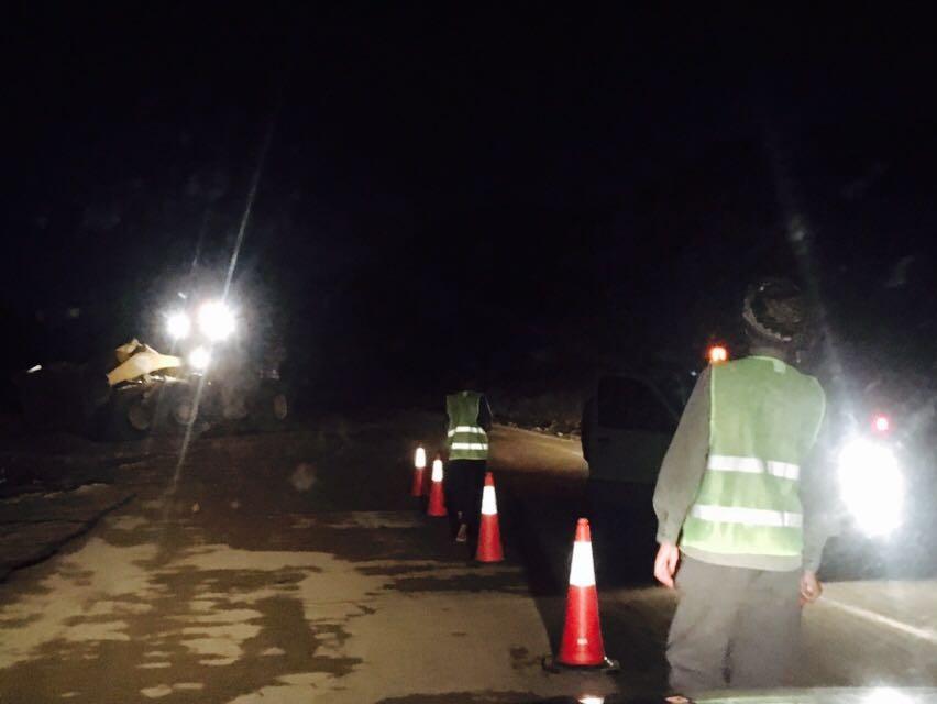 ادارة الطرق بجازان تواصل جهودها في الصيانة بعد الأمطار (2)