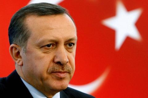 أردوغان يُعلن الطوارئ في تركيا.. ويوجه رسالة للاتحاد الأوروبي !