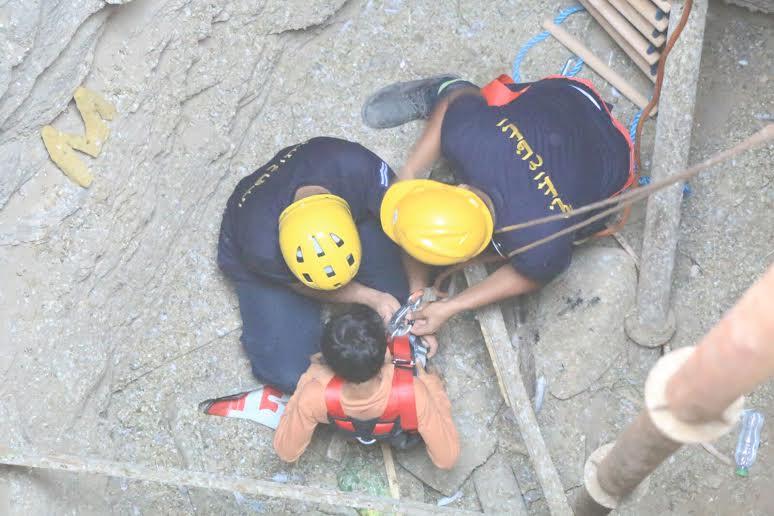 استخراج طفل سقط في بئر قديمة عمقها 30 مترًا بمكة1