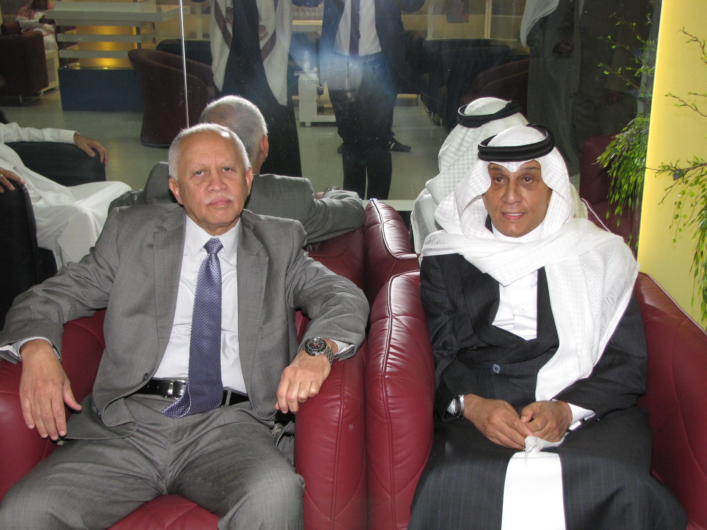 استضافة-وزير-الخارجية-اليمني--باسبار (1)