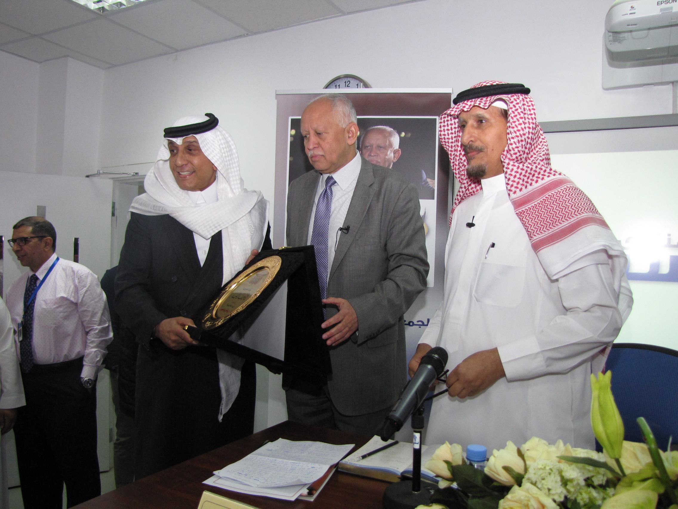 استضافة-وزير-الخارجية-اليمني--باسبار (6)