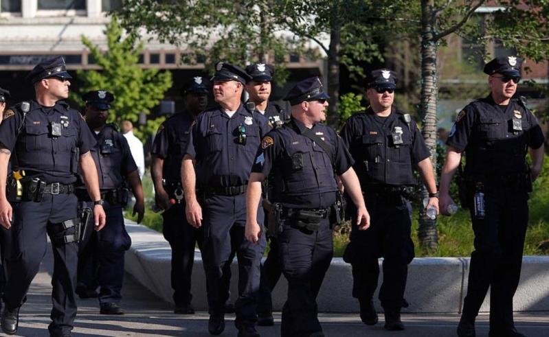 استعدادات الشرطة في كليفلاند لمؤتمر الحزب الجمهوري ترامب