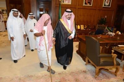 استقبال الأمير فيصل بن خالد رئيس اللجنة الرئيسية لإصلاح  علي بن يحي بن علي شاخري