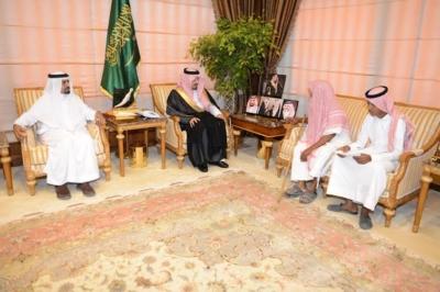 استقبال الأمير فيصل بن خالد رئيس اللجنة الرئيسية لإصلاح  علي بن يحي بن علي شاخري1
