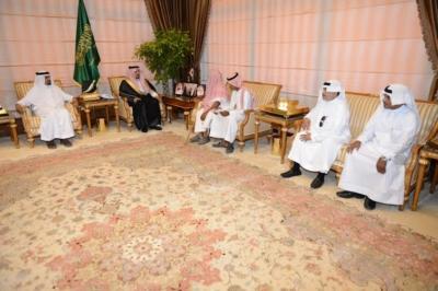 استقبال الأمير فيصل بن خالد رئيس اللجنة الرئيسية لإصلاح  علي بن يحي بن علي شاخري2