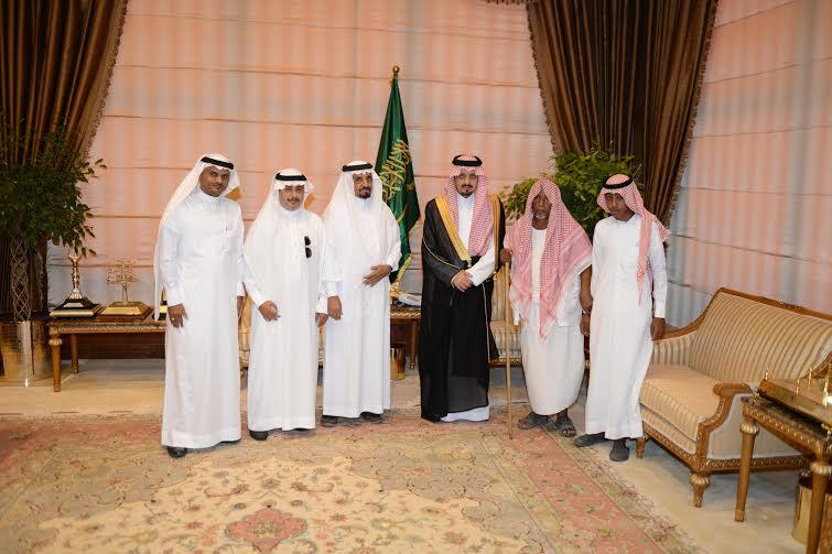 استقبال الأمير فيصل بن خالد رئيس اللجنة الرئيسية لإصلاح  علي بن يحي بن علي شاخري3