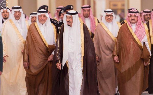 استقبال-الملك-سلمان-لمشايخ-وامراء (11)