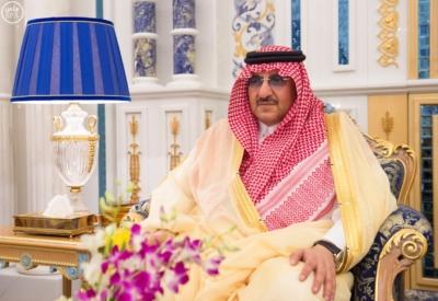 استقبال الملك سلمان يتسلم الرسالة من ملك البحرين4